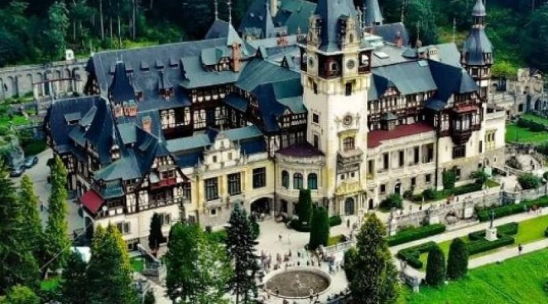 Fântâna centrală de la Castelul Peleș redevine funcțională, în urma lucrărilor de reabilitare efectuate de Veolia România